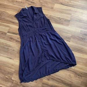 Monoreno sleeveless dress with crochet accents M